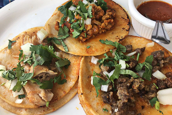 Image of 3 street tacos by amelias